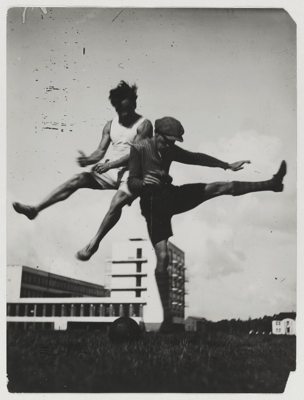 Sport at the Bauhaus (The jump over the Bauhaus), c.1927, Bauhaus-Archiv Berlin / © T.Lux Feininger