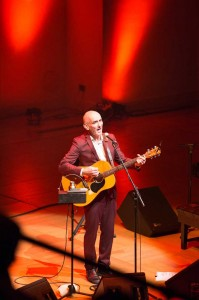 Austalian musician Paul Kelly performing