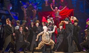 A scene from Benvenuto Cellini by ENO @ London Coliseum.