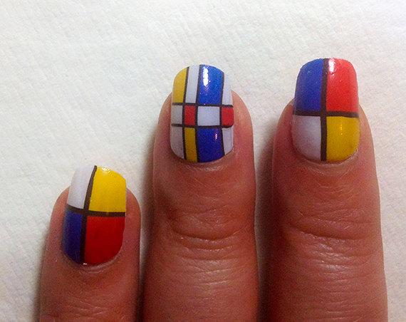 IHNA modern art nail art