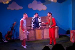 Cinderella and the Beanstalk, Sleeping Trees, Golden Eggs, Theatre503. Copyright Ian Kitt