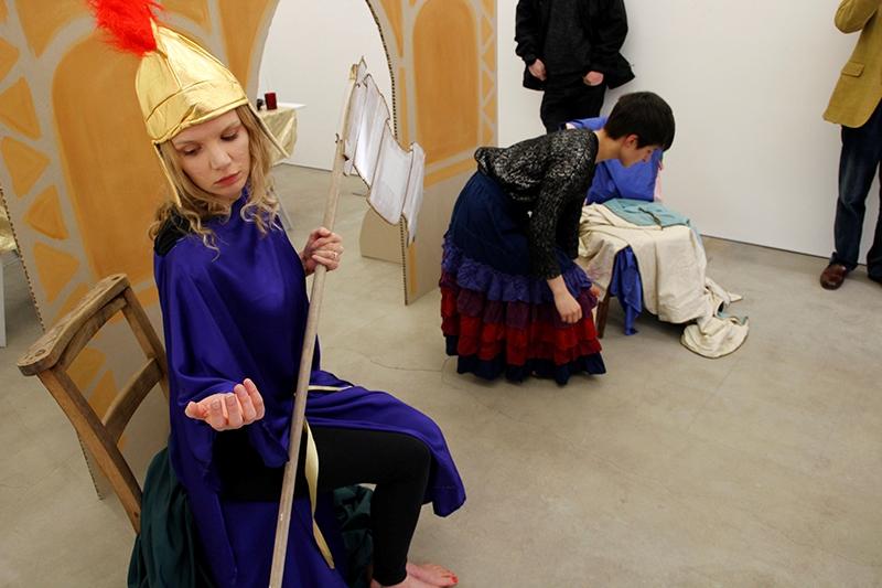 Holly Slingsby at Tintype Gallery - AdrianaAyala - TheUpcoming - 1