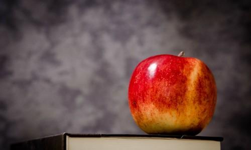 apple-256262_1280