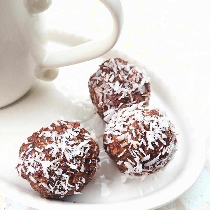 chocolate-balls-824638_960_720