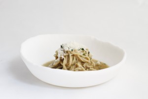 Mushroom spaghetti with a Porcini pil-pil