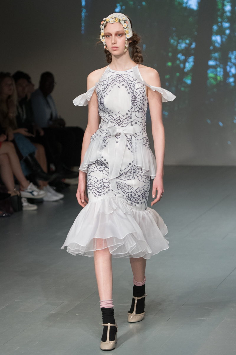 Aksu bora fall runway review recommend dress in spring in 2019