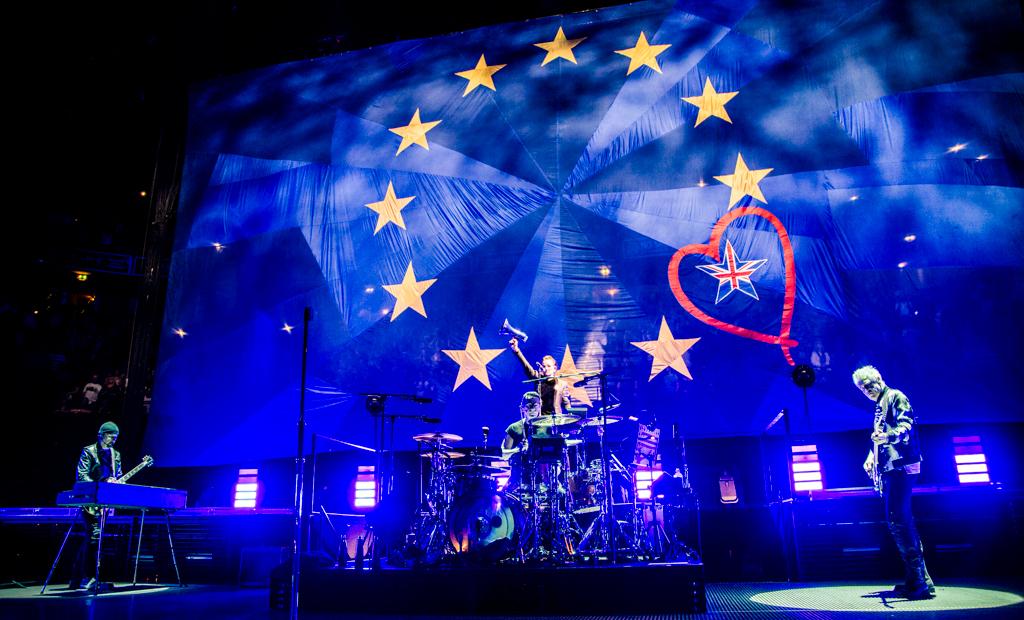 U2 at the O2 Arena: Bono dedicates One to EU remainers and