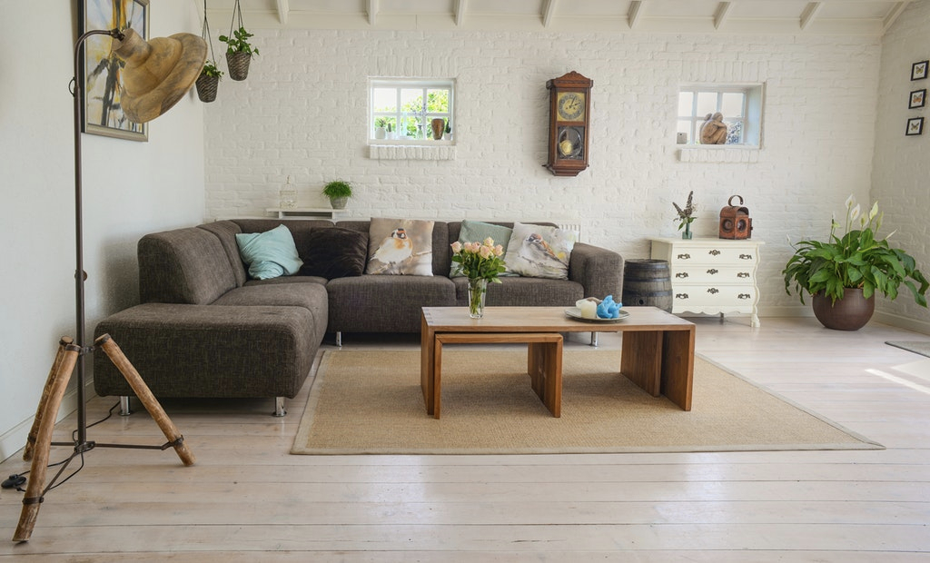 Top tips for decorating your living room on a budget – The ...